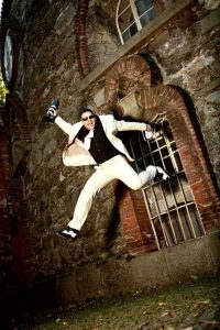 Fotostudio-Fotograf-markus nitsche jumping 200x300 - about me