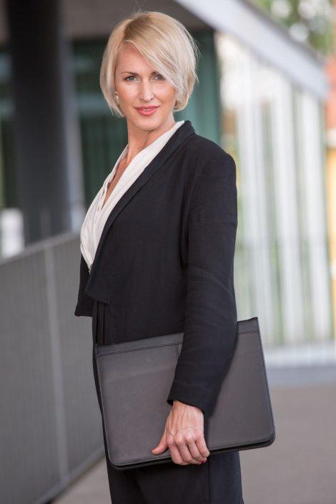 Businessportraits Frau on location Linz